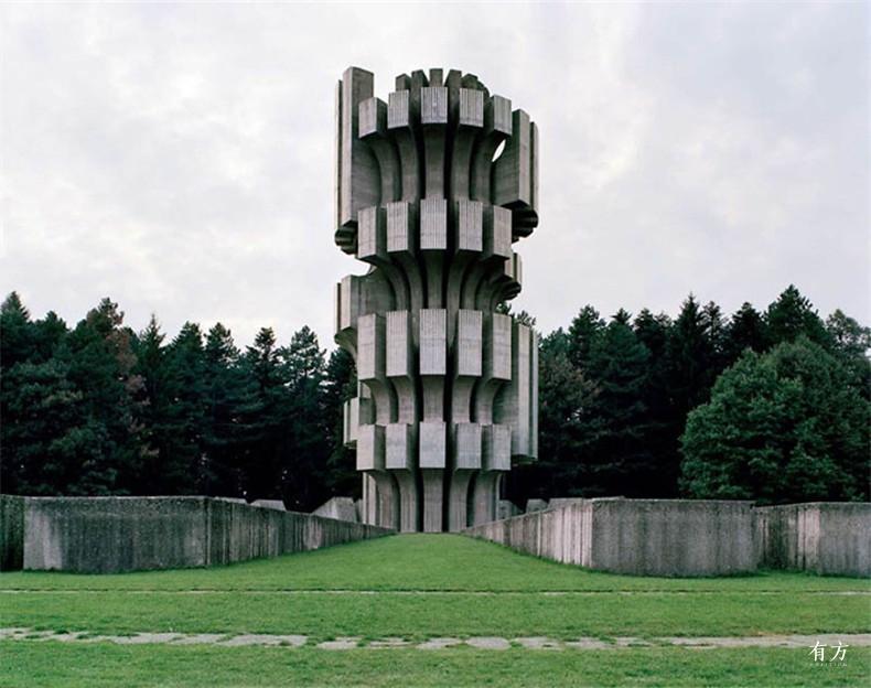 old-monuments-yugoslavia-spomeniks-jan-kempenaers-7