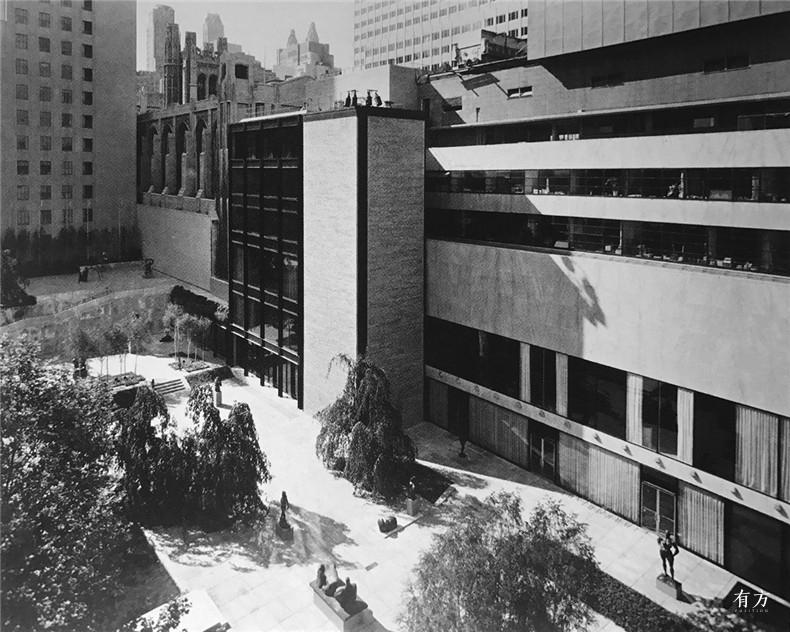 history of MoMA 16
