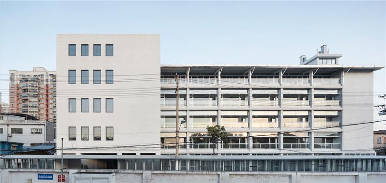 亘建筑事务所05 富丽服装厂改造2015