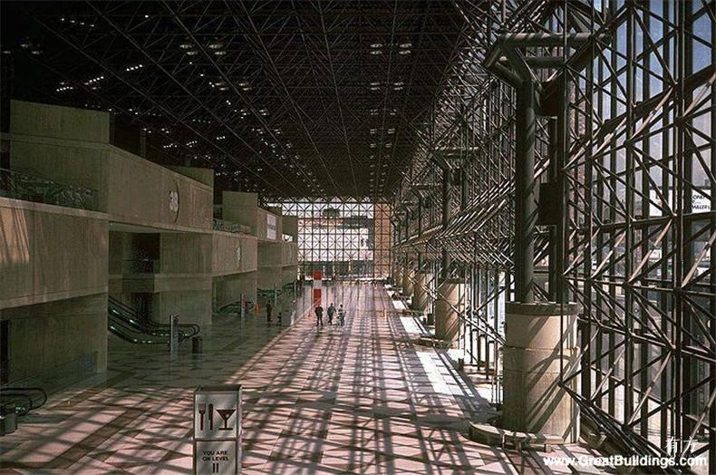 100张照片回顾贝聿铭的100岁人生39 纽约市贾维茨会展中心1979年