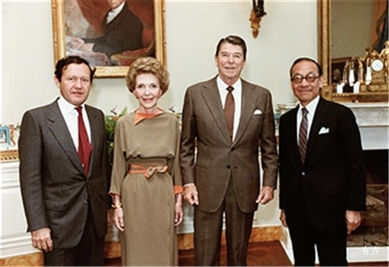 100张照片回顾贝聿铭的100岁人生91 贝聿铭 在白宫与罗纳德里根总统及夫人南希合