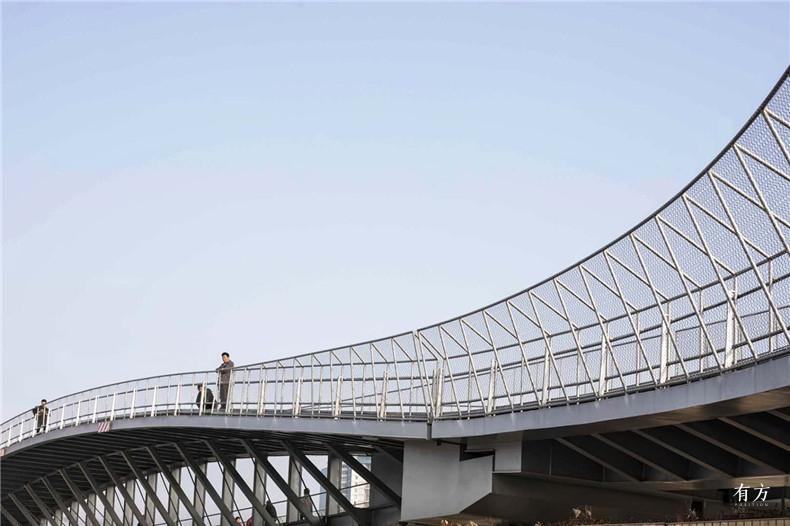 6 上海黄浦江东岸洋泾港云桥