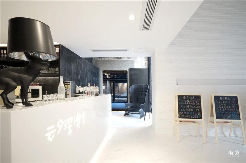 11白色的内部简洁空间  摄影张雷建筑事务所
