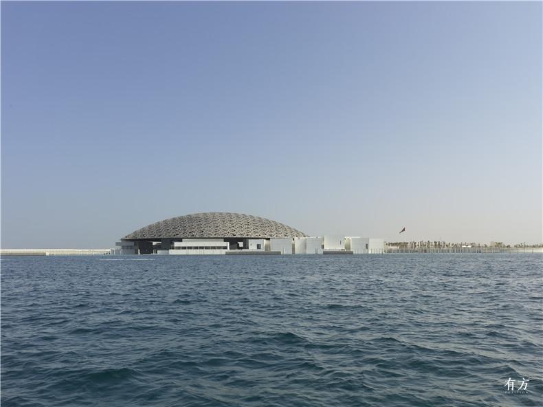 海上实景2. Louvre Abu Dhabi Exterior view Photography Roland Halbe Louvre Abu Dhabi Architecte Jean Nouvel