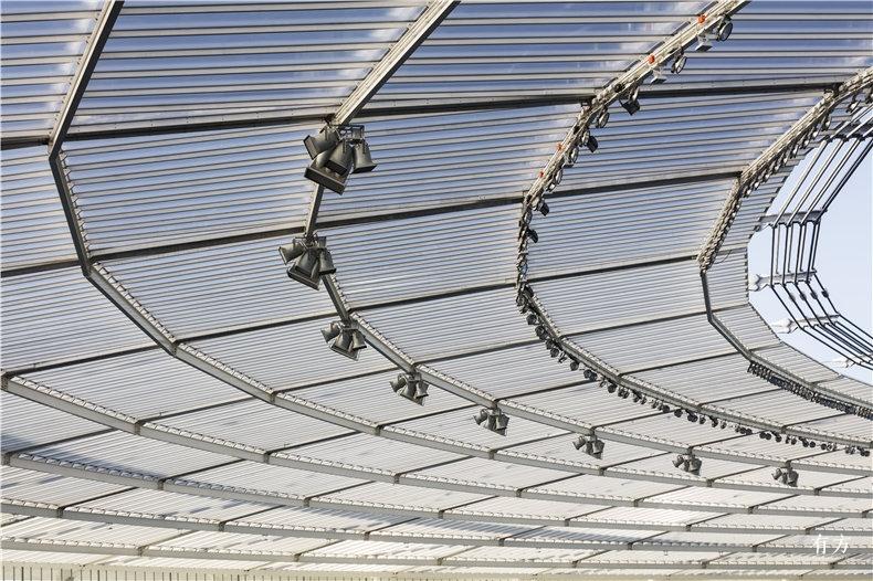 半透明聚碳酸酯板屋面Marcus Bredt3