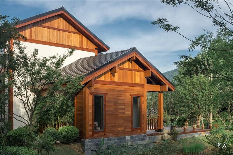 建筑的外立面都用了天然耐腐的加拿大西部红柏这是一种北美原住民几千年来就奉为神树的木材散发出悠悠的清香让它可以经得起风吹日晒4