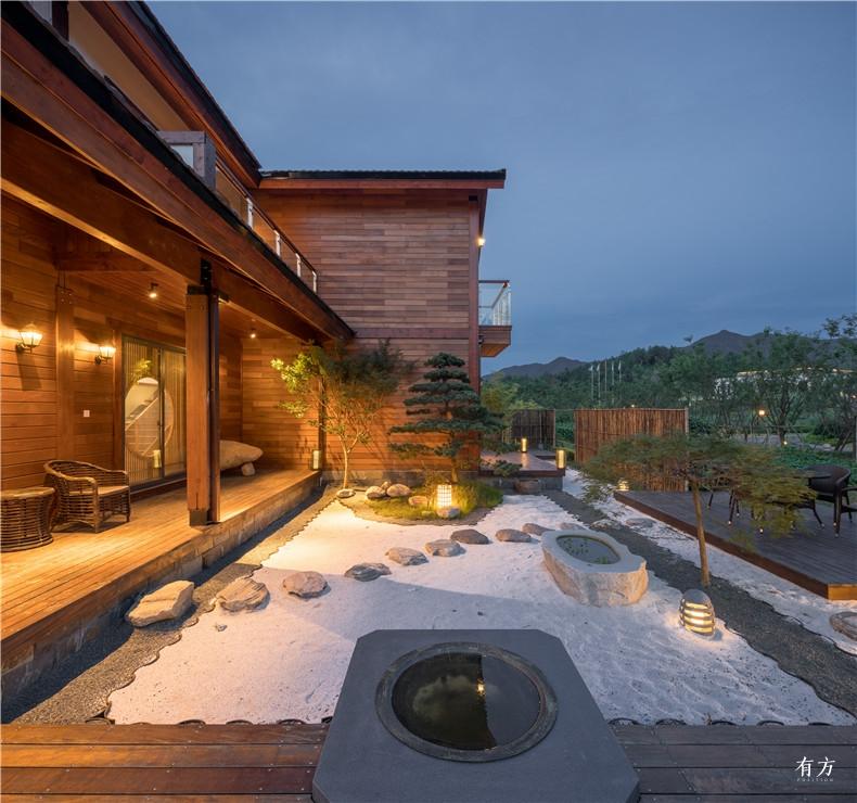 A户型中式别墅希望通过室内与室外的互动产生犹如写意山水般的意境