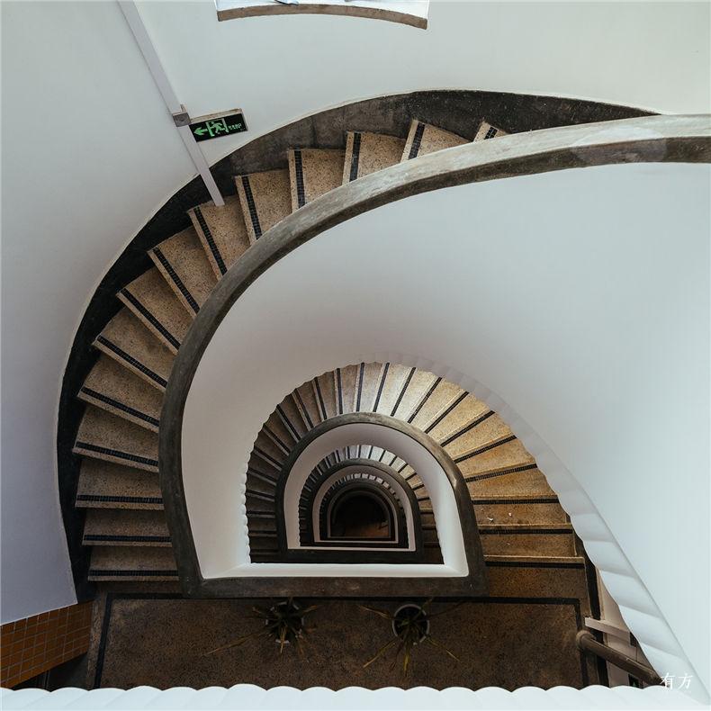 0老上海楼梯间 1