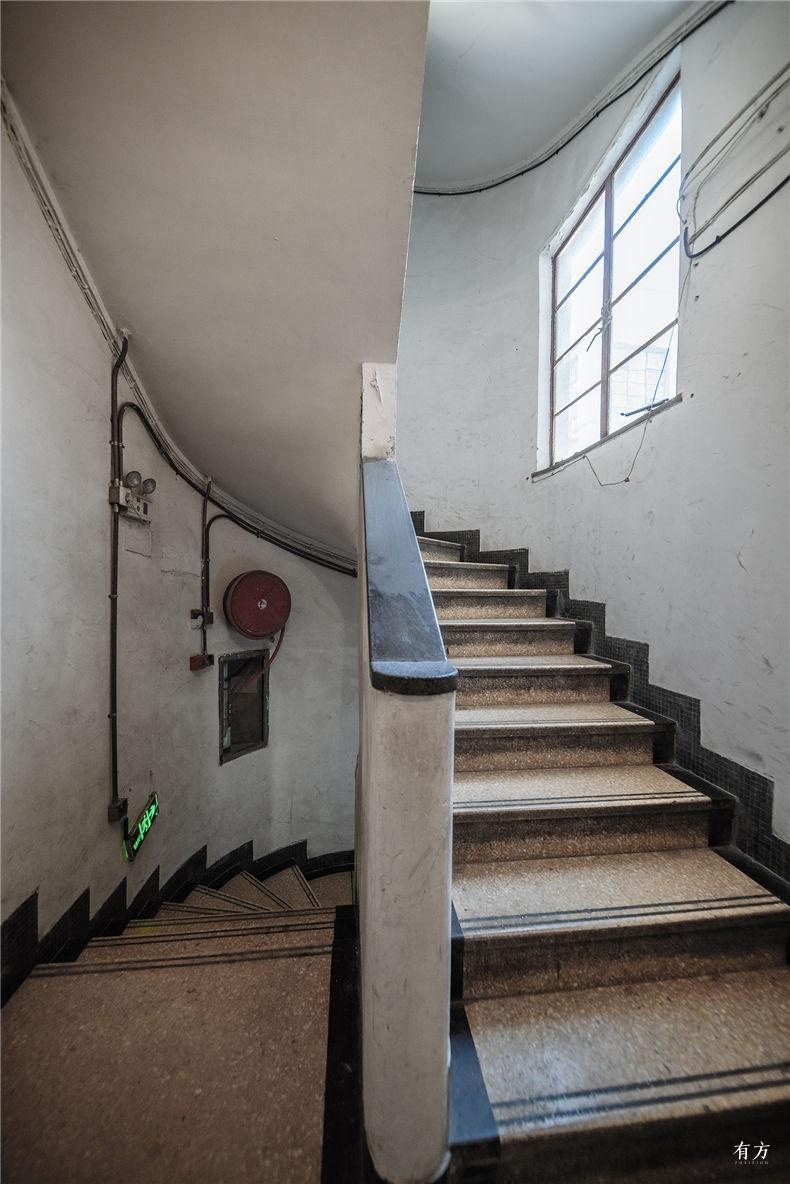 0老上海楼梯间-15