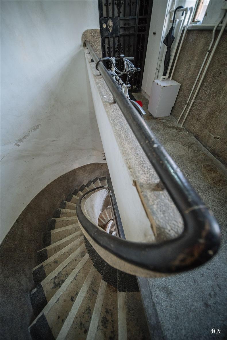 0老上海楼梯间-17