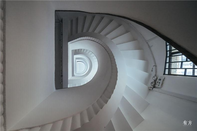 0老上海楼梯间-2
