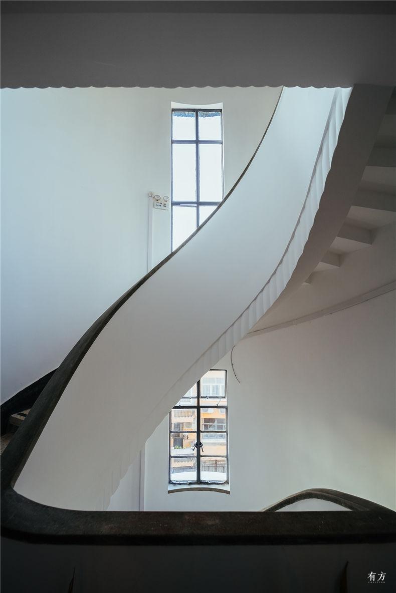 0老上海楼梯间-4