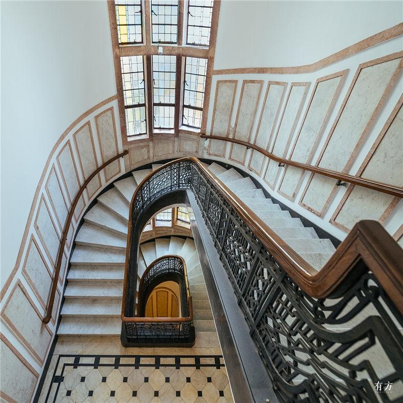 0老上海楼梯间-5