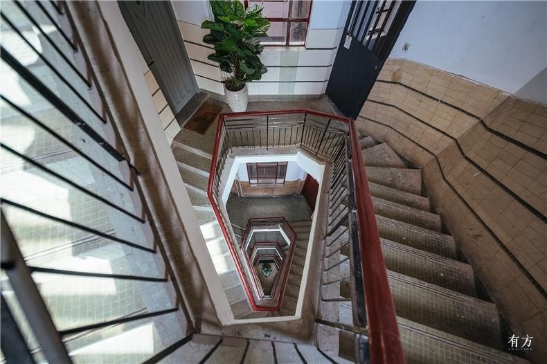 0老上海楼梯间-9